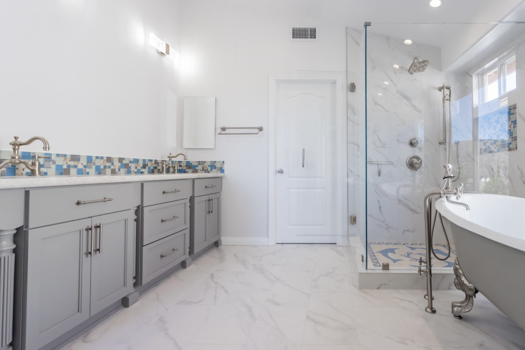 Bathroom Remodeling Contractor - When Is It a Good Time to Hire An Expert?